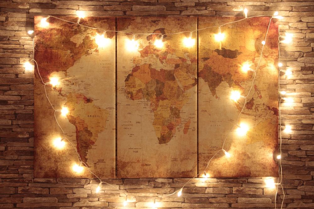 drieluik-wereldkaart-lichtjes