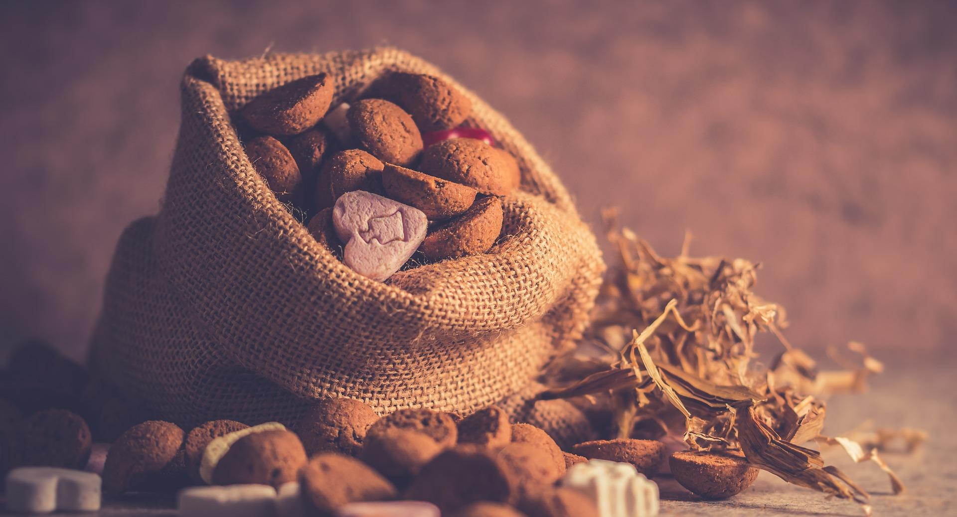Sinterklaas cadeau zak met snoepgoed