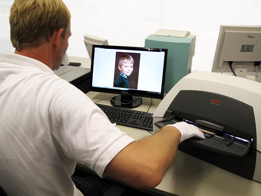 Foto's digitaliseren door een specialist
