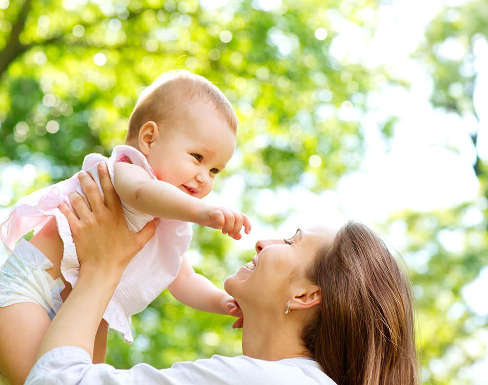 bokeh fotografie buiten lichtbolletjes moeder en kind